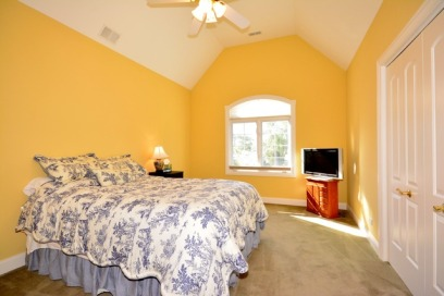 2512 before guest room