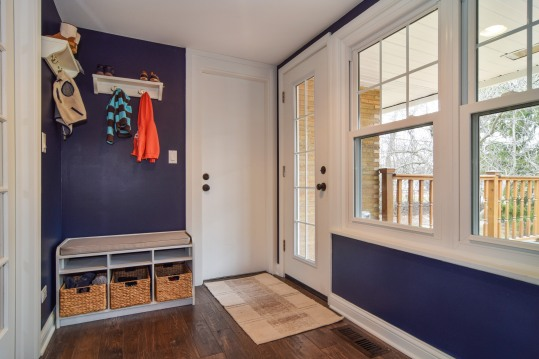 23_10WoodsideDrive_2003_mudroom_HiRes