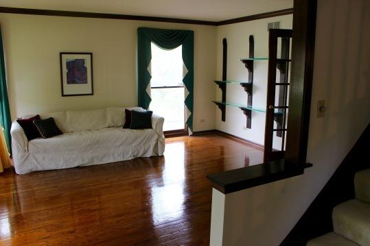 Lakewood living room before 3