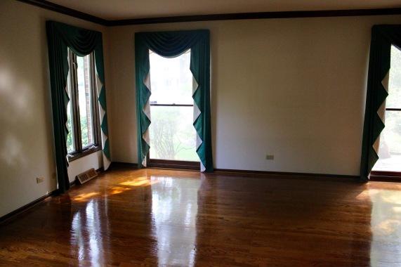 Lakewood living room before 4
