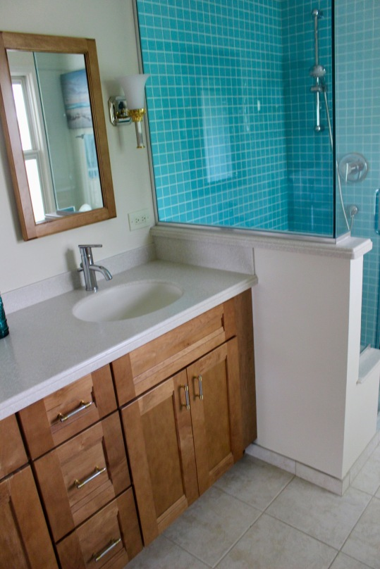 Lakewood master bathroom before 2