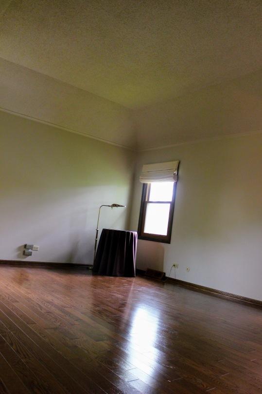 Lakewood master bedroom before 1
